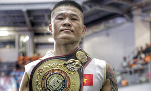 Vietnamese boxer defends WBA Asia East title