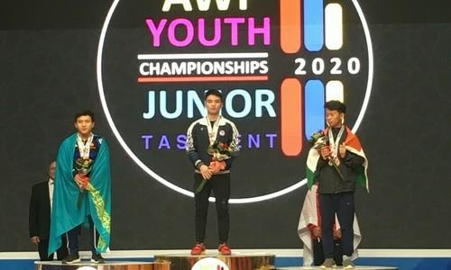 Vietnamese teen breaks third world weightlifting record