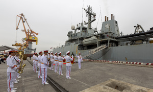 Royal Navy ship pays northern Vietnam dock a friendly visit