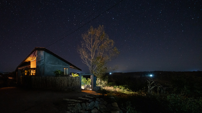 No skyscrapers around, giving residents chances to watch the stars at night or fully enjoy the beauty of Mother Earth.
