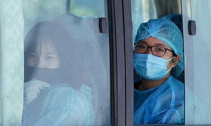 Saigon, Da Nang quarantine 83 from South Korean epidemic hub