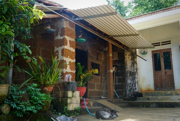 When they built as new house, my children kept the laterite house since it was still good, Tuu said. The laterite house was converted into a kitchen while the family lives in a concrete house next to it.