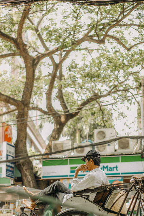 This place also boast as a gem for young photographers to snap retro vintage shots of Saigon.