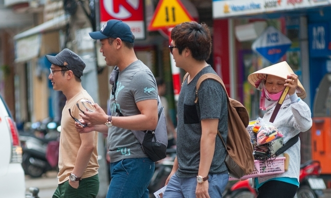 South Korean visitors in Ho Chi Minh City. Photo by Shutterstock/AnNam.