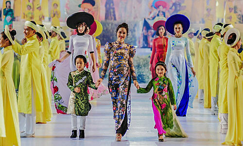 Saigon delays annual Ao Dai fest over coronavirus epidemic