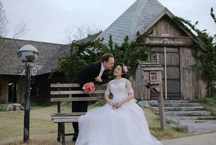 Be Thi Bang and her husband, Oturak Be. Photo courtesy of Bang.