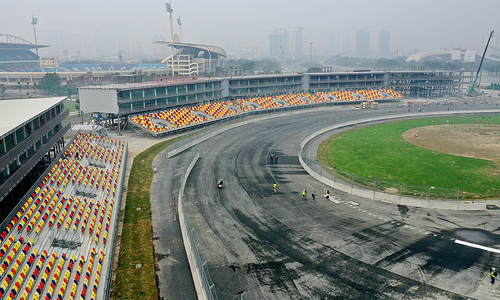 Tracking Hanoi F1 against artist's impressions