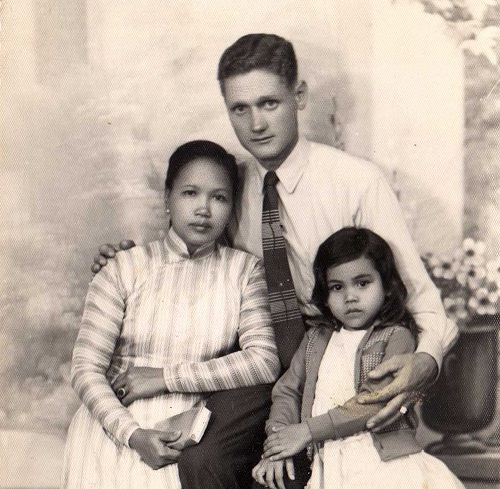 Wolfgang Redlich, a former German soldier of the French army in Vietnam, his Vietnamese wife and their daughter, Karin, then five years old, in Nha Trang, December 1960. Photo courtesy of Friedhelm Redlich.