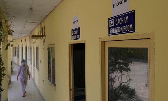 Hanoi, Saigon ramp up quarantine for citizens returning from South Korea