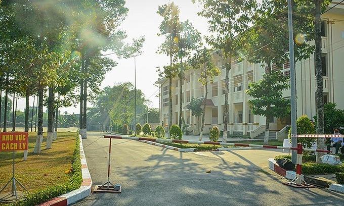 Saigon's fourth field hospital for Covid-19 quarantine set up near airport
