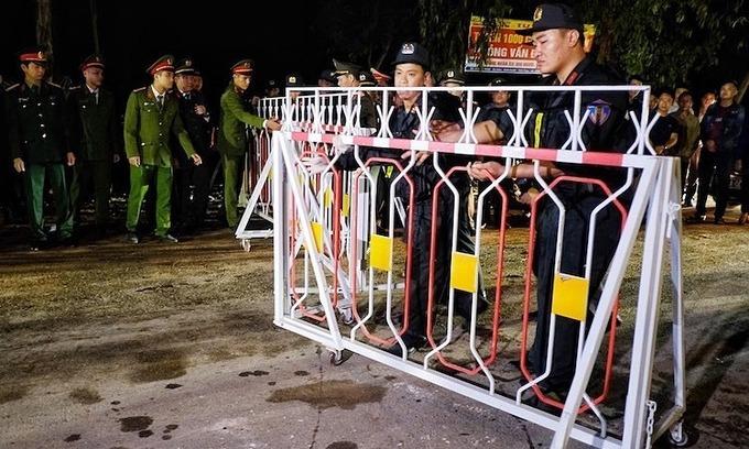 Vietnam ends lockdown for coronavirus commune