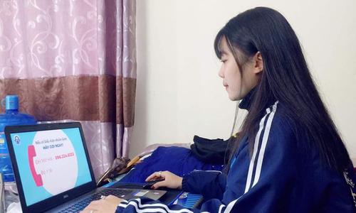 Teachers, students struggle to connect as coronavirus drives online education