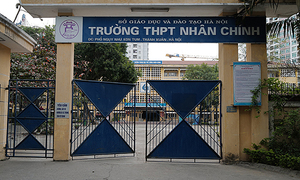 Hanoi extends school closure after first Covid-19 case