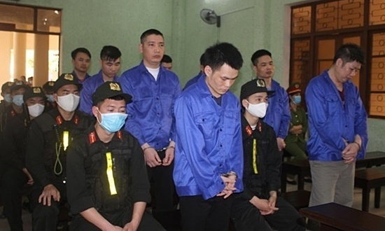 Six heroin traffickers sentenced to death