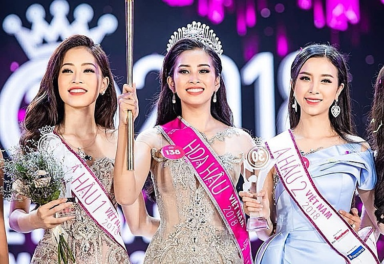 Top 3 runners up of Miss Vietnam 2018, from left to right: Bui Phuong Nga, Tran Tieu Vy and Nguyen Thi Thuy An. Photo by Facebook/Tran Tieu Vy.