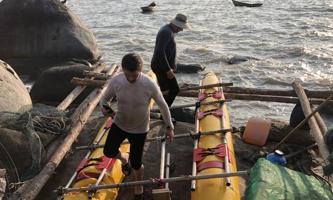 Three Russians adrift off Vietnam's southern coast return to shore