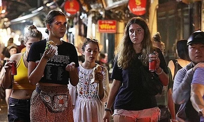 Hanoi asks bars, karaoke parlors to close over coronavirus fears