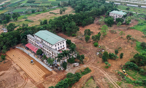 Hanoi resuscitates abandoned hospital for Covid-19 quarantine