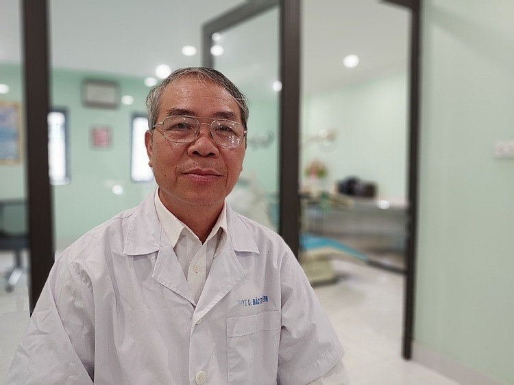 Doctor Dang Minh Vu. Photo by VnExpress/Thuy Quynh.