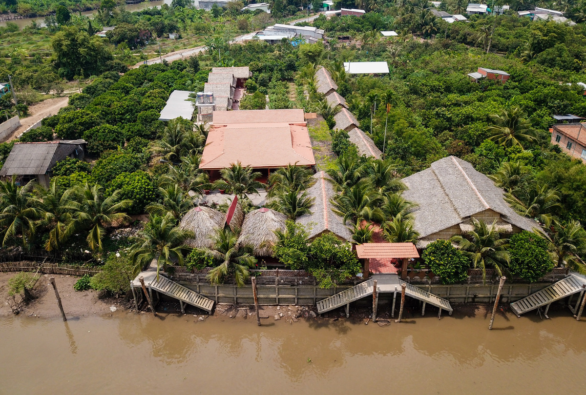 The homestay is situated on An Binh islet and surrounded by greenery. A ticket for a quick visit around the homestay costs VND20,000 ($0.86).
