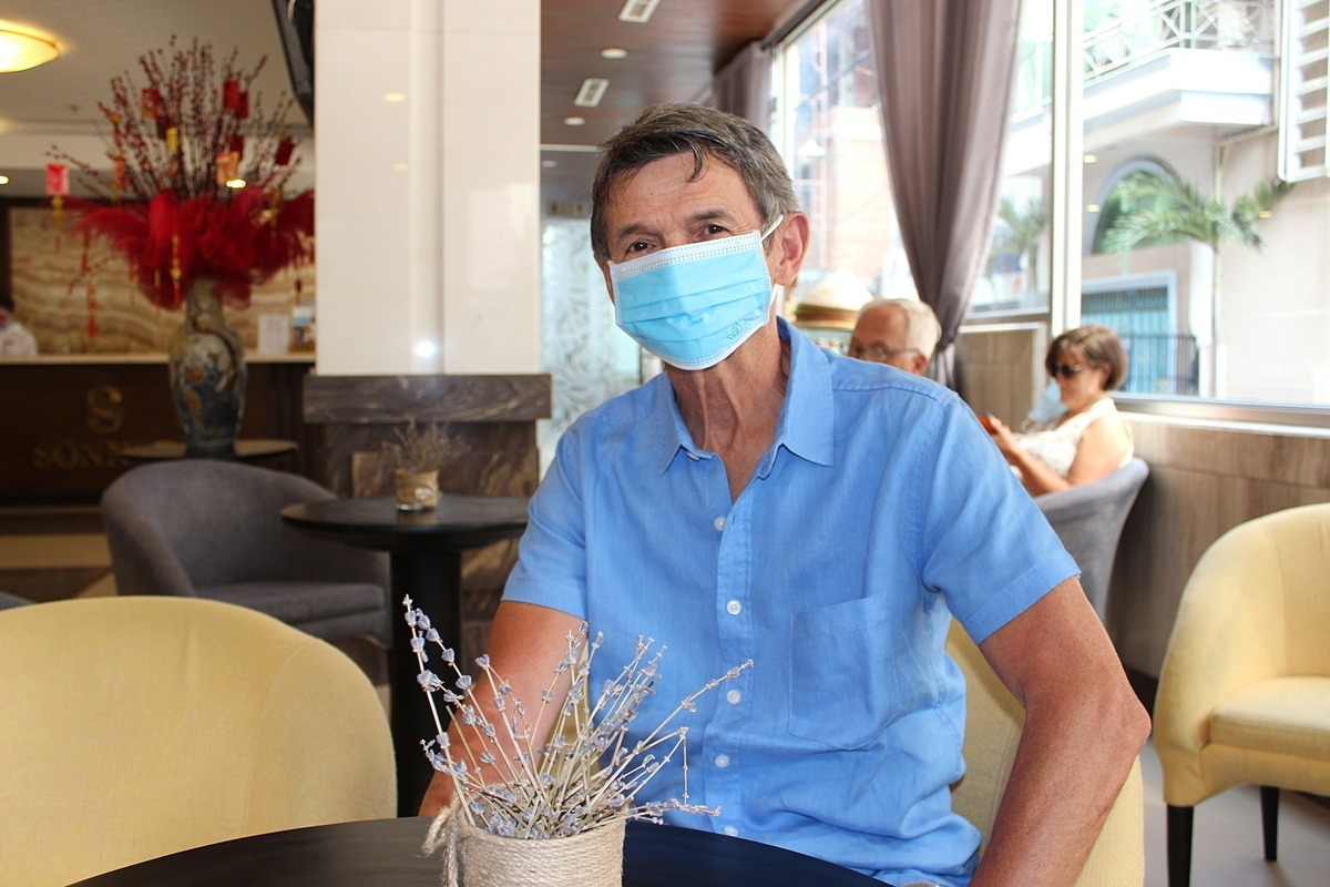 French man Sokol Vincent stays at a hotel in downtown Saigon to wait until March 20 to board a plane back to France. Photo by VnExpress/Nguyen Nam.