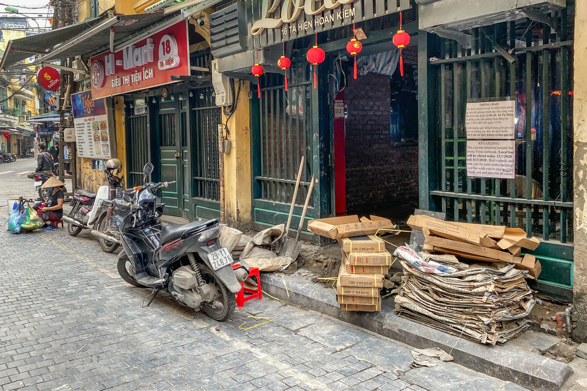 A bar in Ta Hien street take this time off to repair and get a makeover.