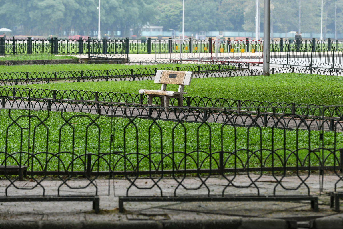 The Ho Chi Minh Mausoleum was also closed and fences were put up around the flower garden and even on the sidewalks to prevent people from walking around the area.