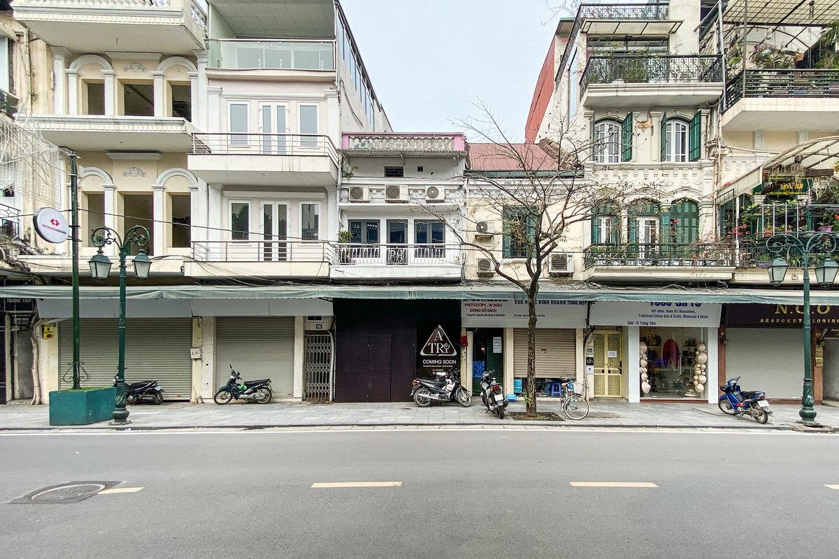 Shops on Trang Tien Street, near Hoan Kiem Lake were all closed on March 20.