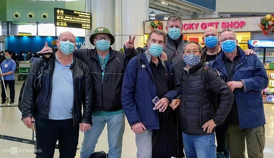 A group of foreign tourists in Vietnam in March 2020 as the country is battling againstthe novel coronavirus epidemic. Photo acquired by VnExpress.