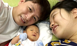 Vietnamese couple in Wuhan rescued before due date