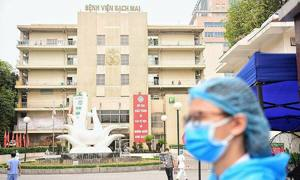 Hanoi locks down main hospital after eight Covid-19 infections