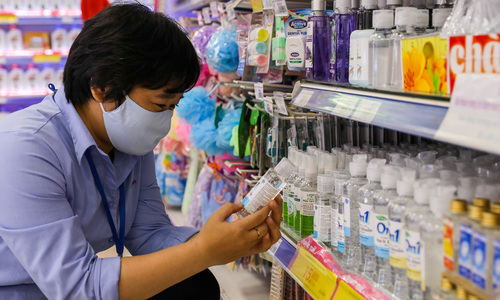 No more than 150 infections, HCMC chairman sets Covid-19 target
