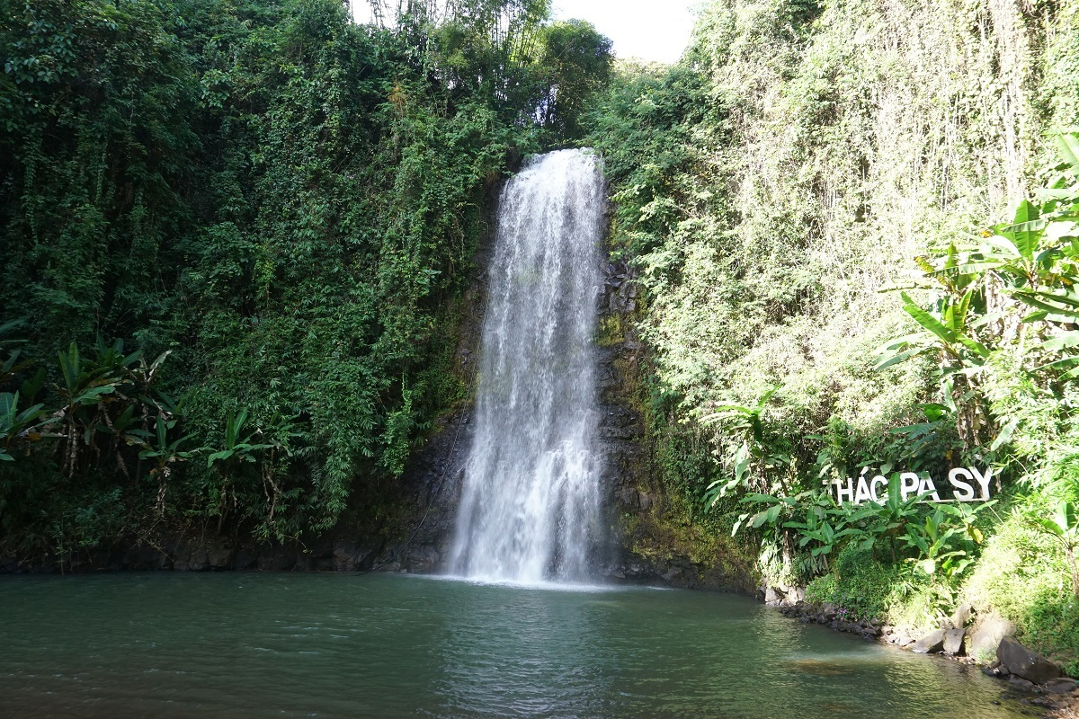 Pa Sy Waterfall in Mang Den town.