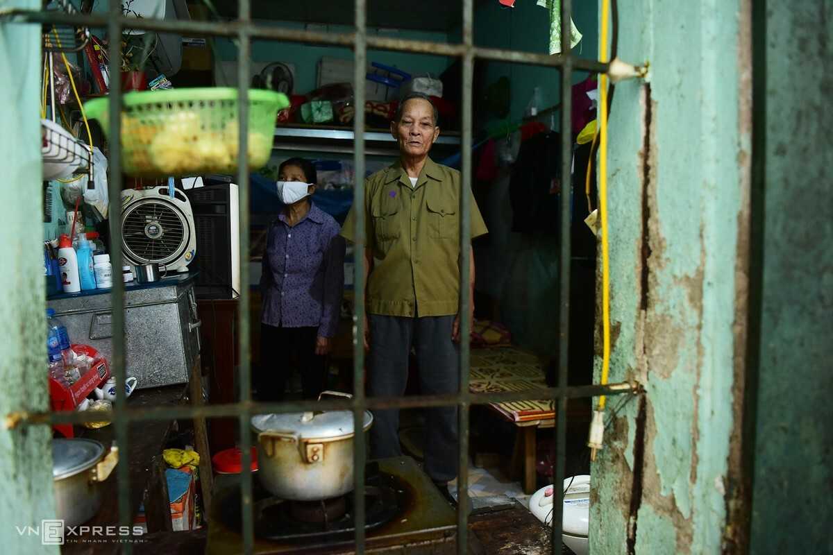 Two doors from Vinh's home is where Nguyen Van Hung and his wife Ta Thi Sau live in a room even smaller, eight square meter wide.