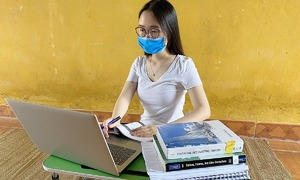 Overseas Vietnamese students under quarantine struggle to study online