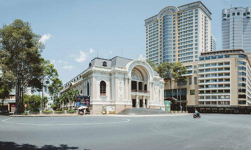Social distancing leaves Saigon landmarks deserted