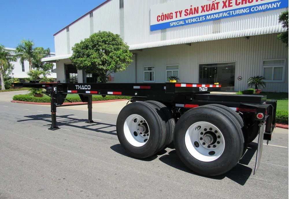 THACO's 20ft sliding semi-trailer.