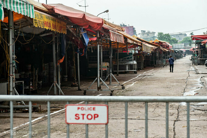 Quang Ba flower market has been closed since April 1. Photo by VnExpress/Thanh Hue.