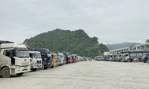Border province wants no more container trucks until pileup cleared