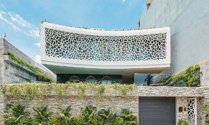 Da Nang villa features facade of coral