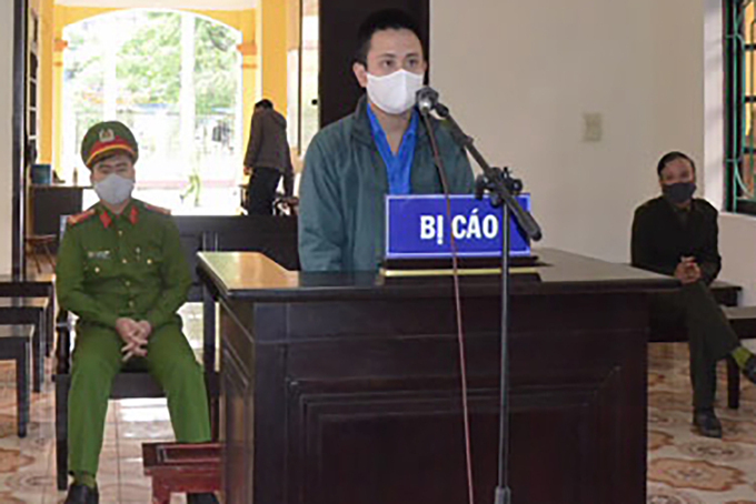 Tran Van Manh stands trial in Hung Ha District, Thai Binh Province, for assaulting Covid-19 task force, April 14, 2020. Photo courtesy of Peoples Court of Hung Ha District.