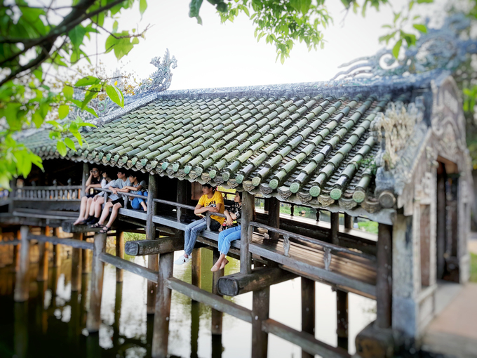 244-year-old bridge near Hue continues to enchant - 2