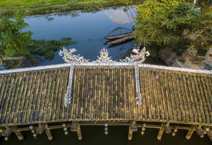 244-year-old bridge near Hue continues to enchant - 4