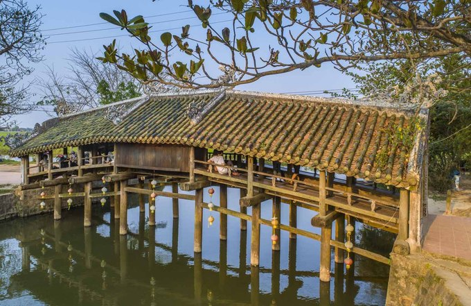 244-year-old bridge near Hue continues to enchant - 7