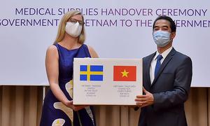 Vietnam gifts 100,000 face masks to Sweden