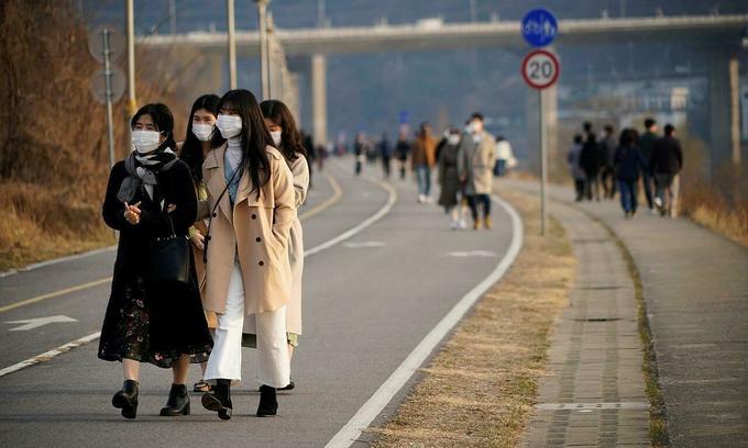 South Korea orders six Vietnamese deported for breaking quarantine rules