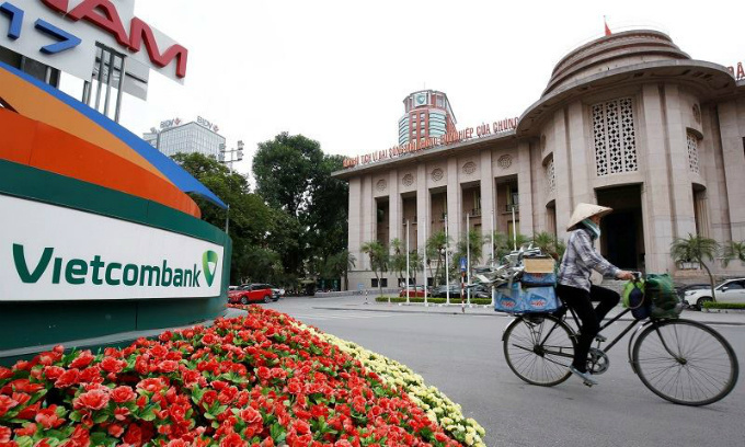 Vietcombank pre-tax profit down 11 percent