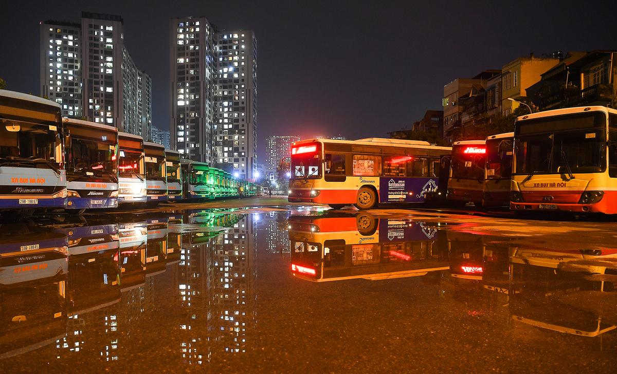 Hanoi buses resume service