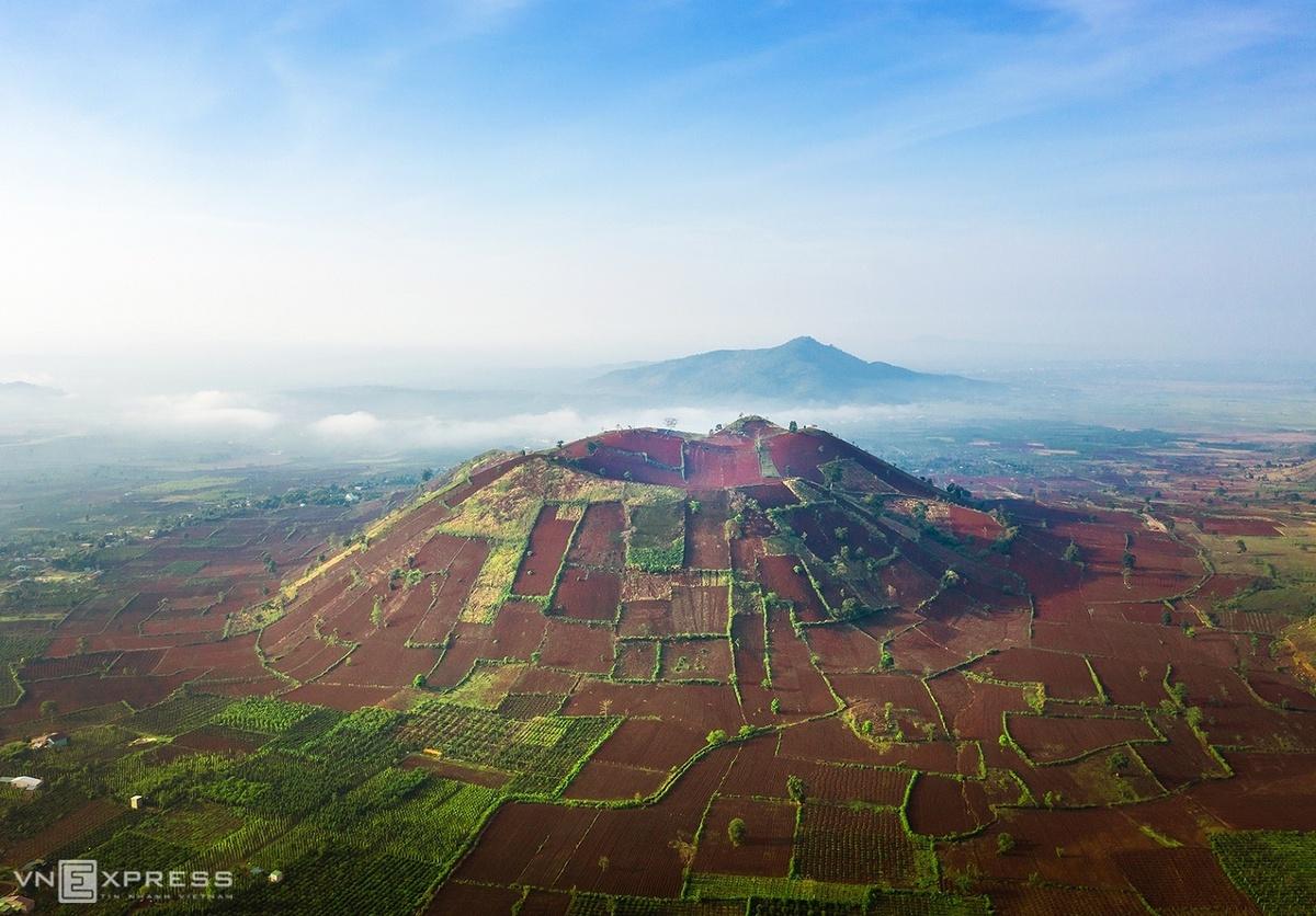 Chu Dang Ya Volcano wildly beautiful between seasons
