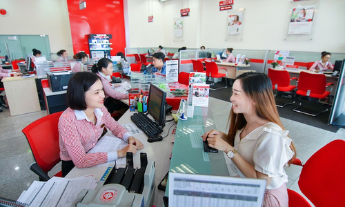Techcombank extends revenue growth streak to 18 quarters